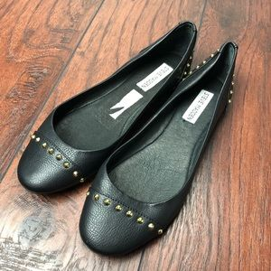 "Steve Madden ""KSTUD"" leather studded flats 8.5"